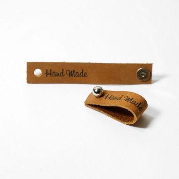 Кожаная бирка Hand Made с кнопкой 1.3х7см (Коричневый)